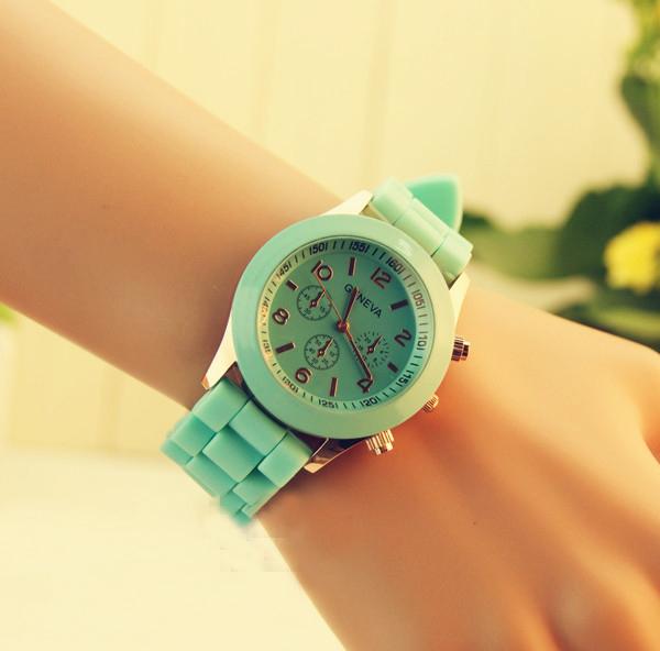 Fashion  Woman Exquisite Green Watch