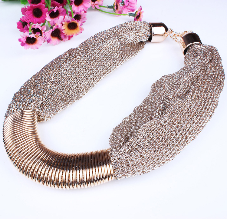 Cheap Fashion Patchwork Soft Metal Weaving Net Shaped Gold Metal Necklace
