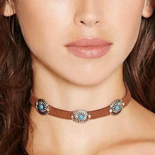 Vintage Style Metal Decorative Brown Necklace