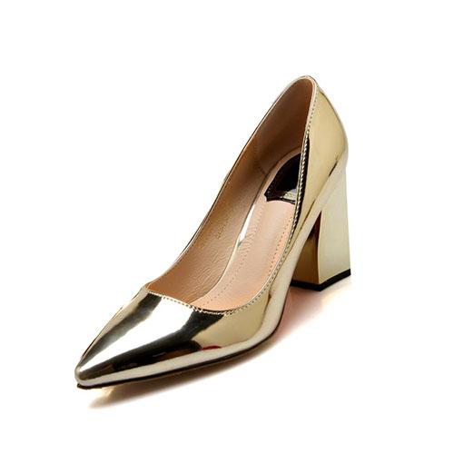 Мода направленная закрытая нога Неглубокий дизайн рта Короткие высокие каблуки Золото ПУ Основные насосы