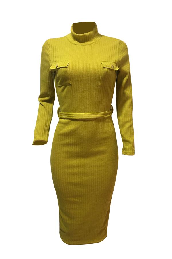 Euramerican manga comprida gola de poliéster amarelo vestido de bezerro médio