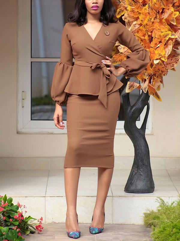 Мода V шеи с длинными рукавами желтого полиэстера оболочка среднего теленка платье