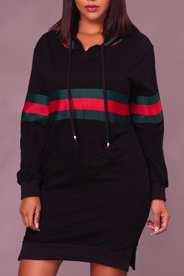 Mini vestido de poliéster negro con remiendo cuello redondo