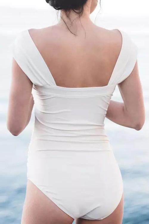 Симпатичный Сексуальный Дизайн С Вырезом Шеи Bateau Белый Спандекс Цельные Купальники