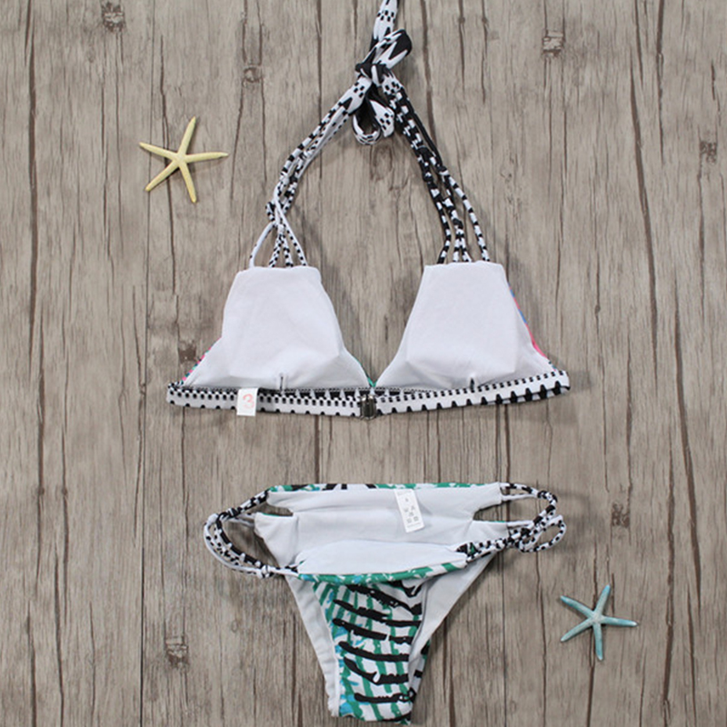 Reizender Reizvoller Schnürsenkel Höhlen-heraus Gedruckte Polyester Zweiteilige Swimwears