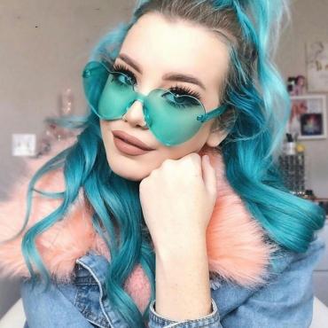 Lovely Trendy Heart-shaped Design Green PC Sunglasses