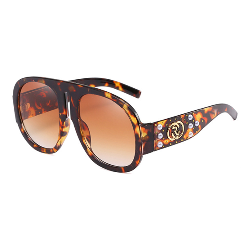 Lovely Fashion Rivet Decorative Leopard PC Sunglasses