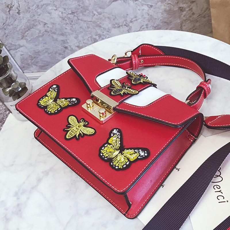 Encantador Rojo Elegante Mariposa Diseño Decorativo PU Rojo Embragues Bolso