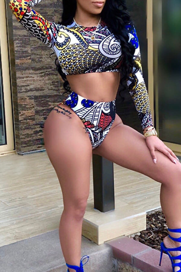 Lovely Fashion  Long Sleeves Printed Black  Two-piece Swimwear