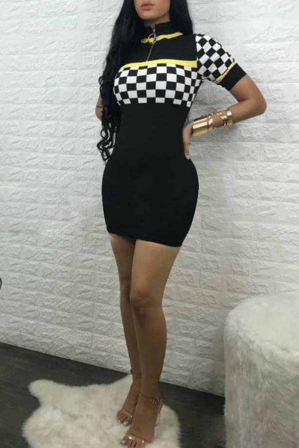 Encantador Rejilla De Empalme De Tela De Algodón Negro Mini Vestido De La Envoltura