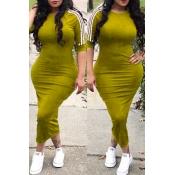 Adorável Sexy Gola Redonda Listrado Amarelo Poliéster Bainha Meados Bezerro Vestido
