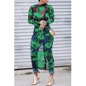 Precioso Vestido Redondo De Media Pierna Con Estampado De Flores Y Estampado Floral En Color Verde (impresión Sin Posicionamiento)