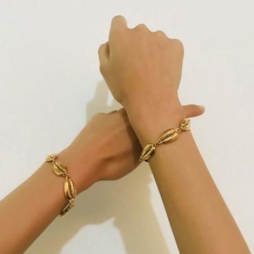 Lovely Casual  Shell Shape Golden Metal Bracelet