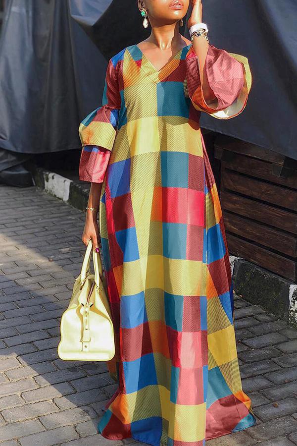 Precioso Vestido Multicolor Hasta El Suelo Con Estampado Multicolor En El Suelo