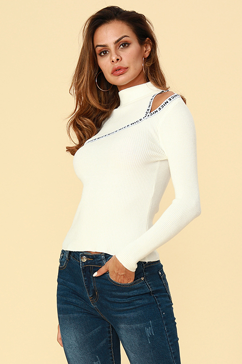 Lovely Casual Dew Shoulder White Sweaters