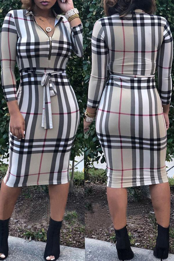 Reizendes Beiläufiges Raster Gedruckt Multicolor Knielanges Kleid
