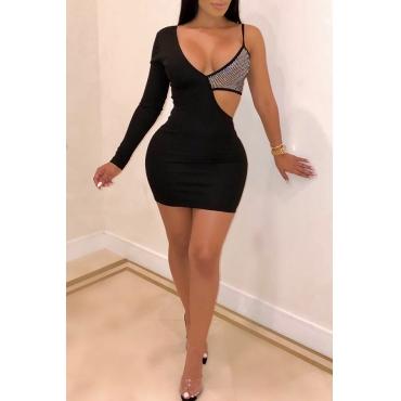 Mini Vestido Negro De Patchwork Con Huecos A La Moda.