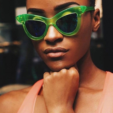 Lovely Chic Green Sunglasses 39mm