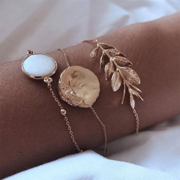 Lovely Stylish Gold Alloy Bracelet
