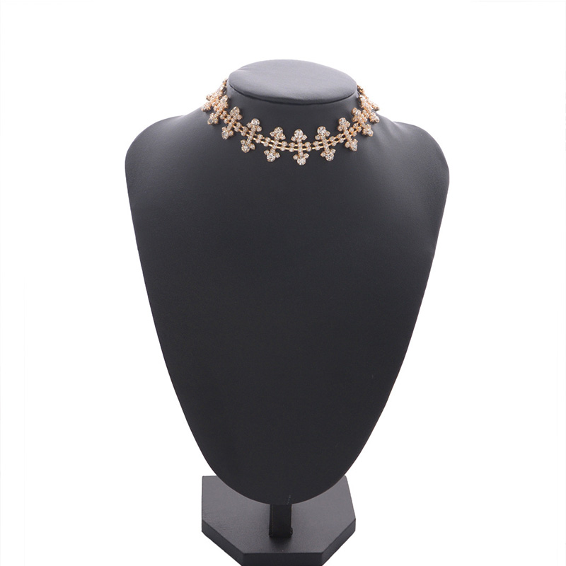Lovely Stylish Rhinestone Decoration Gold Necklace