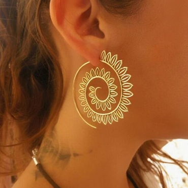 Lovely Vintage Hollow-out Gold Alloy Earring