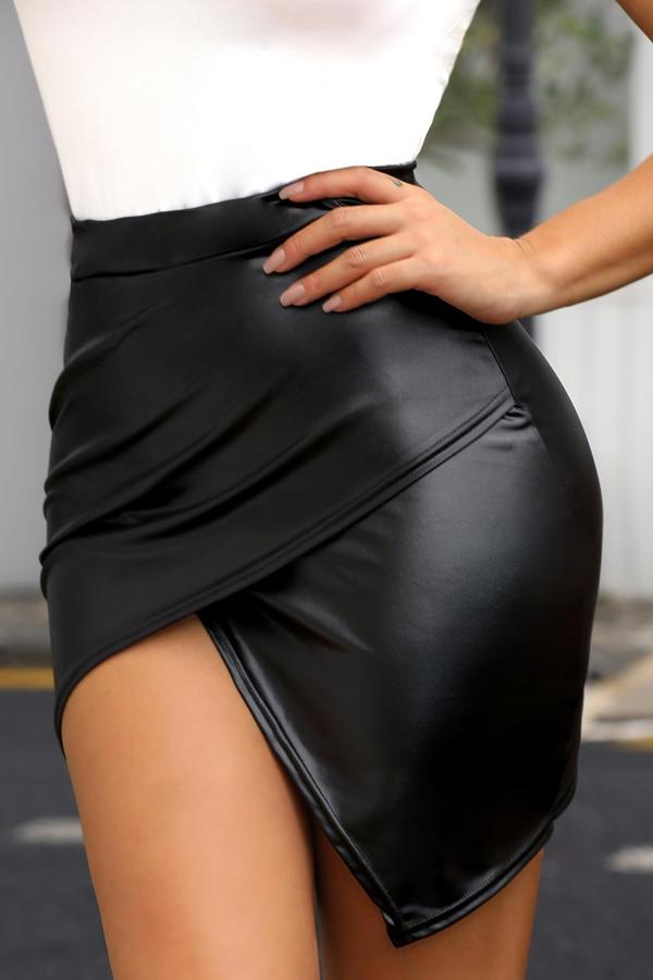 Lovely Casual Asymmetrical Black Mini Skirt