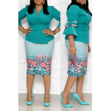 Lovely Casual V Neck Printed Green Plus Size Two-piece Skirt Set