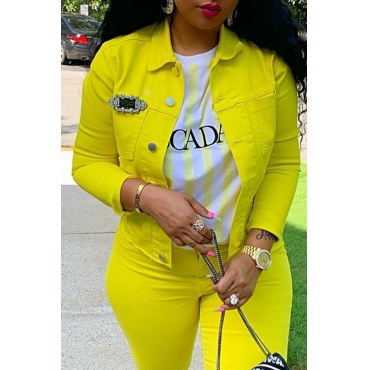 Lovely Casual Turndown Collar Buttons Design Yellow Jacket (Without Accessory)