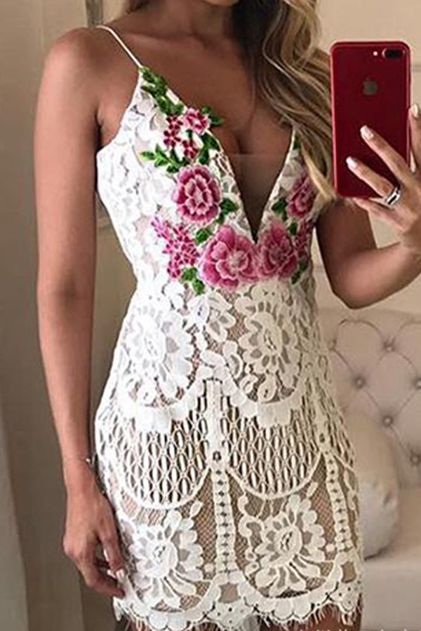 lovelywholesale / Lovely Sweet Embroidery White Mini Dress