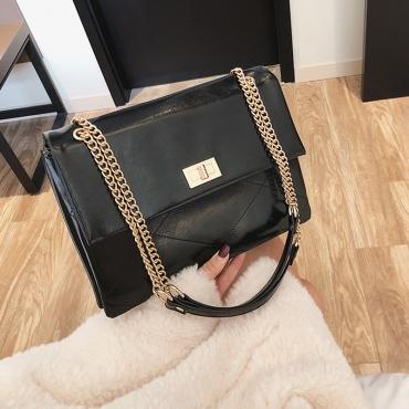 Lovely Chic Chain Design Black Crossbody Bag