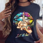 Lovely Leisure O Neck Lip Print Black Plus Size T-
