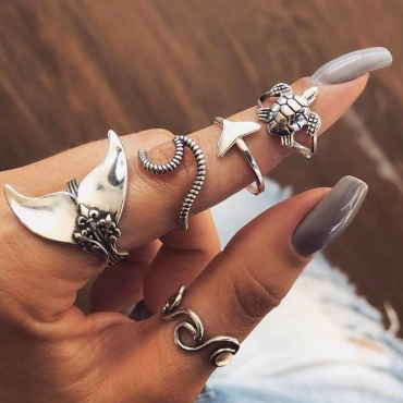 lovely Stylish 5-piece Silver Ring