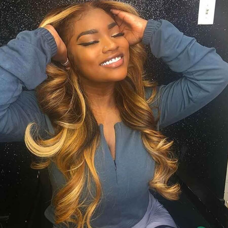 Lovely Stylish Looking Long Wavy Brown Wigs фото