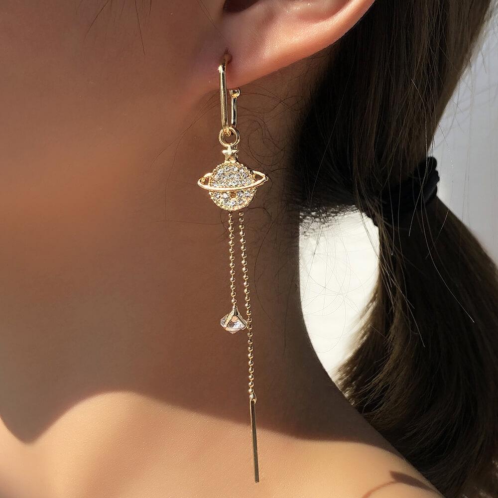 LW Trendy Tassel Design Gold Earring
