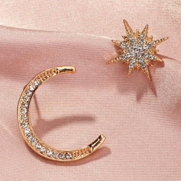 Lovely Trendy Asymmetrical Gold Earring