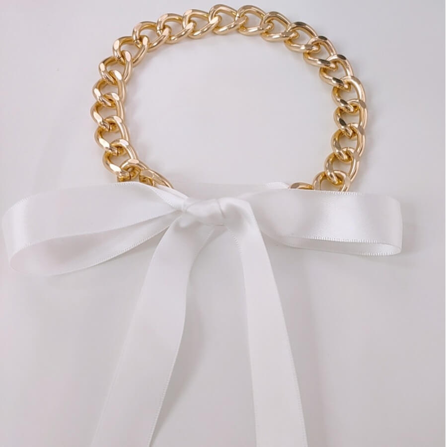Lovely Chic Bow-tie Decoration White Necklace