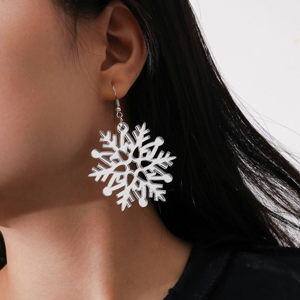 LW Lovely Stylish Hollow-out White Earring