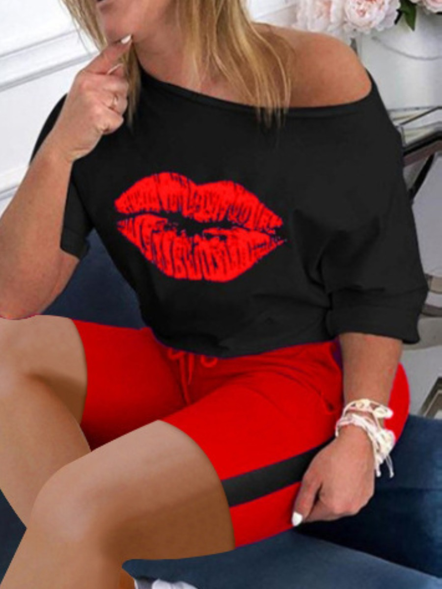 Lovely Sporty Lip Print Striped Drawstring Red Plus Size Two-piece Shorts Set