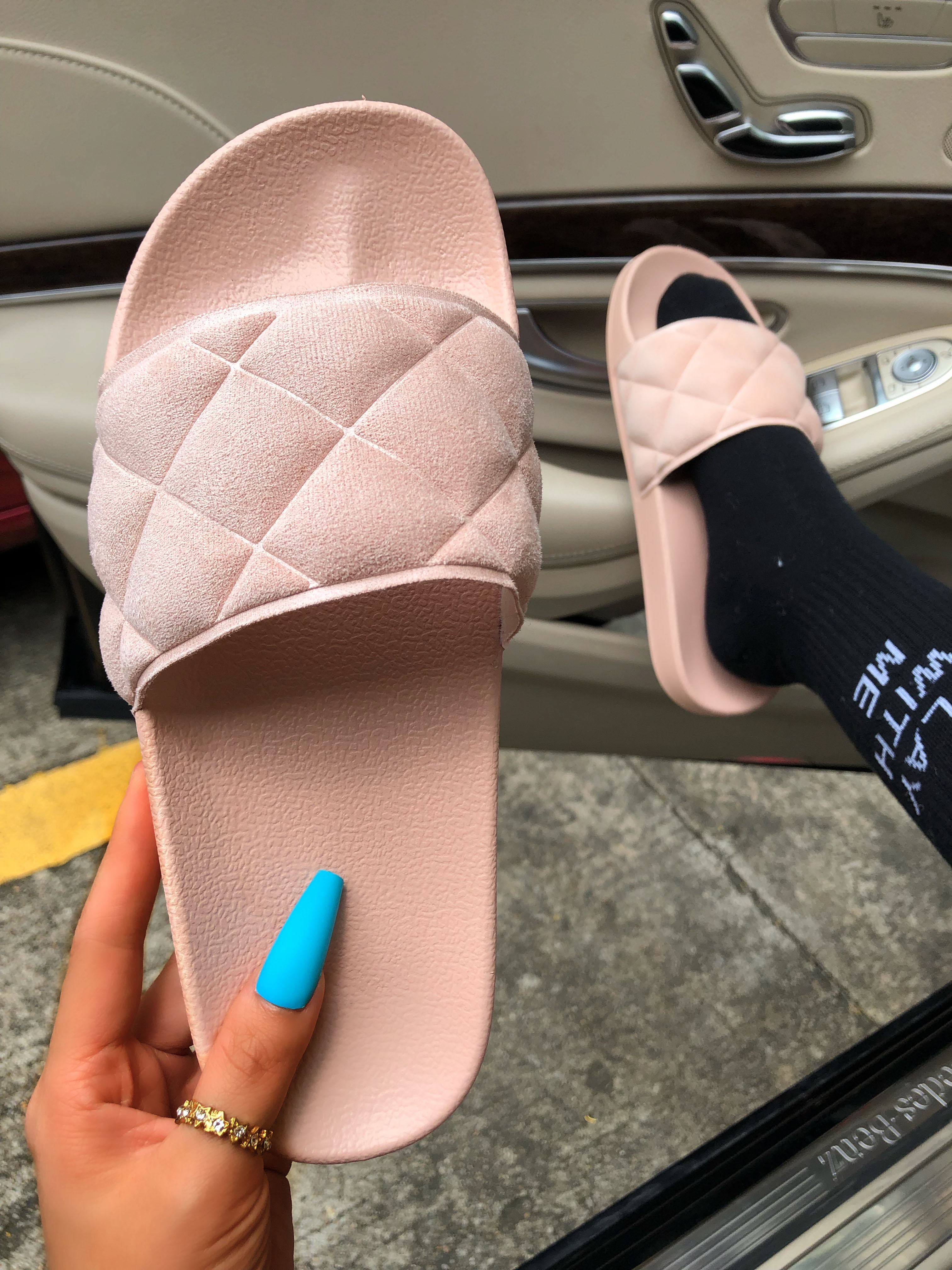 LW BASICS Quilted Slide Slippers